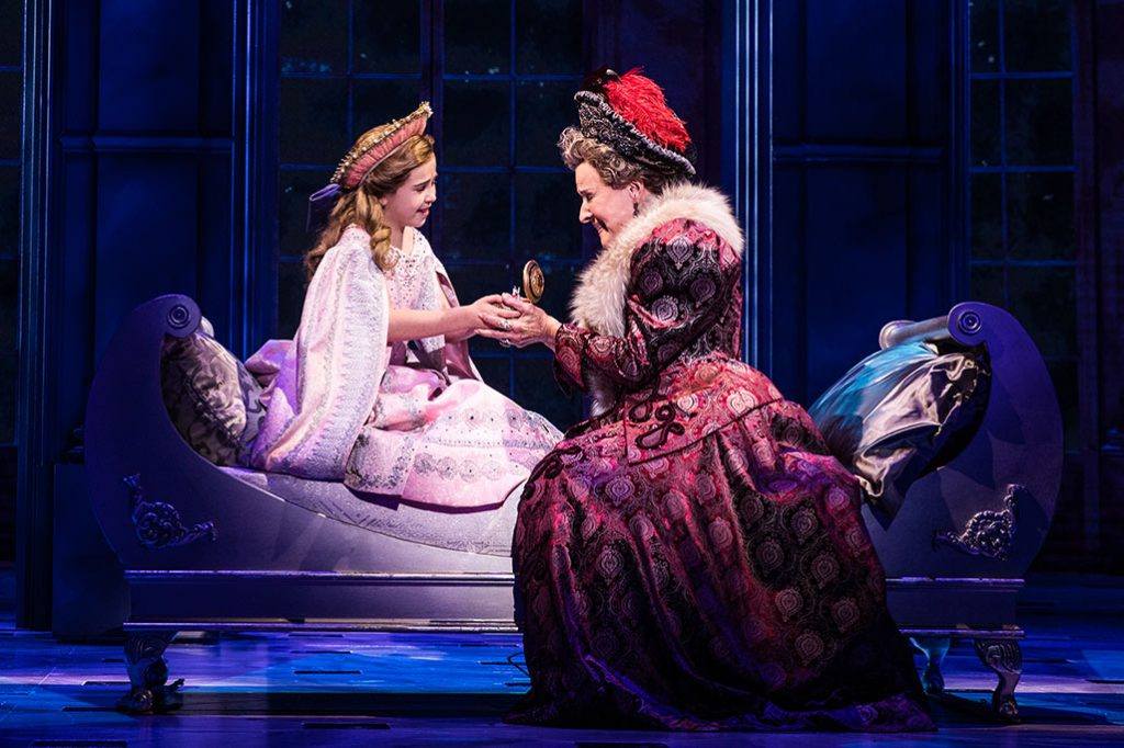 Victoria Bingham (Little Anastasia) and Joy Franz (Dowager Empress) in the National Tour of ANASTASIA